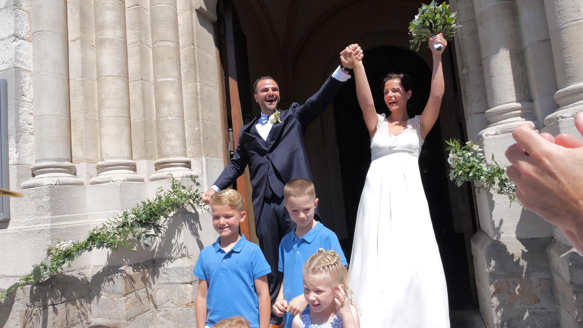 vidéo de mariage sortie des mariés de l'église